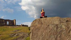 yoga-sulla-roccia