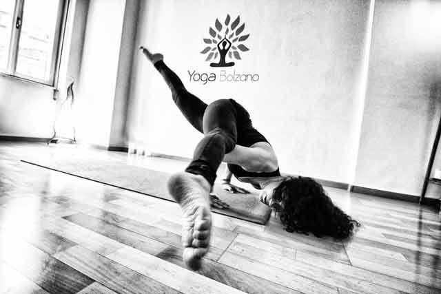 Yoga-bolzano-raja-kapotasana