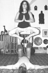straddle-throne