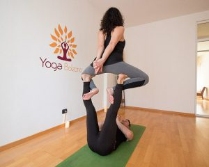 posizioni-yoga-in-due